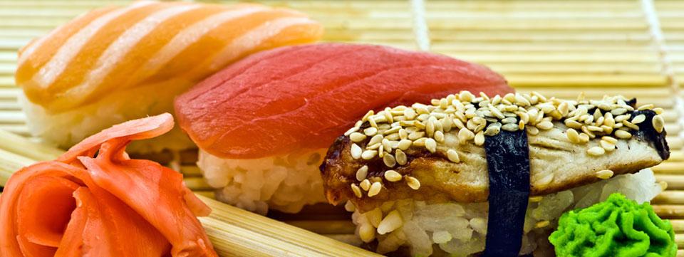 Суши лосось, тунец, угорь